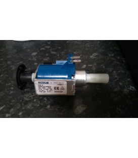 Pressurised steam generator iron water feed pump replacement