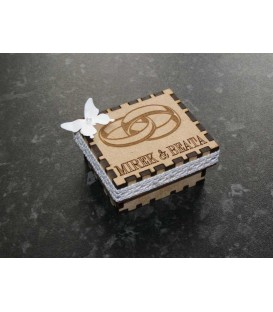 Jewellery wooden laser cut box wth engraved top.